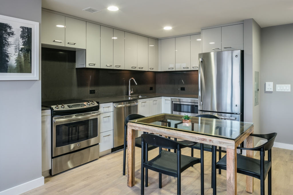 Groovy Astoria 2 Bedroom Apartment Asking 4 395 Beautiful 2 Download Free Architecture Designs Scobabritishbridgeorg