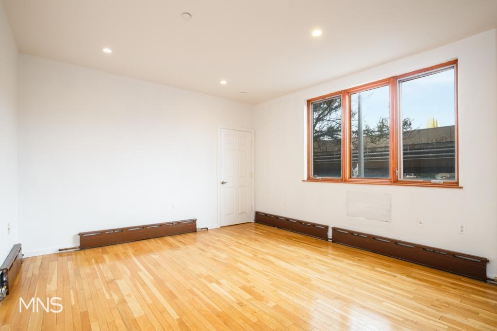 166 Kingsland Avenue, Apt 1-A, Brooklyn, New York 11222