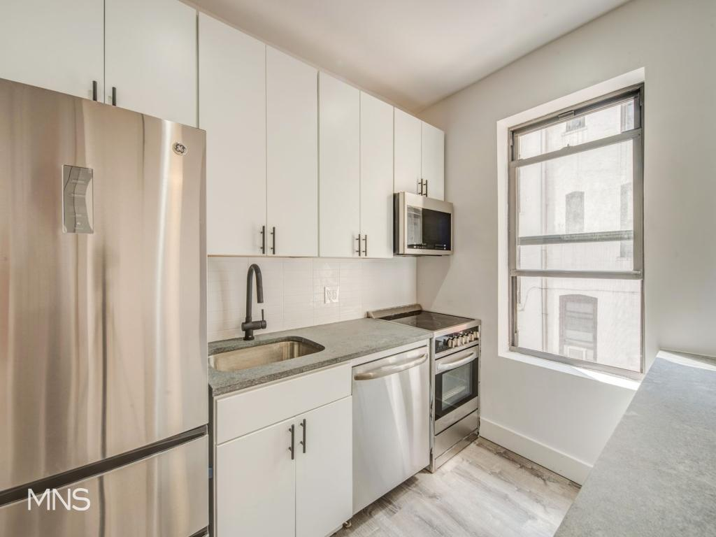 34-04 34th Avenue, Apt B-1, Queens, New York 11106