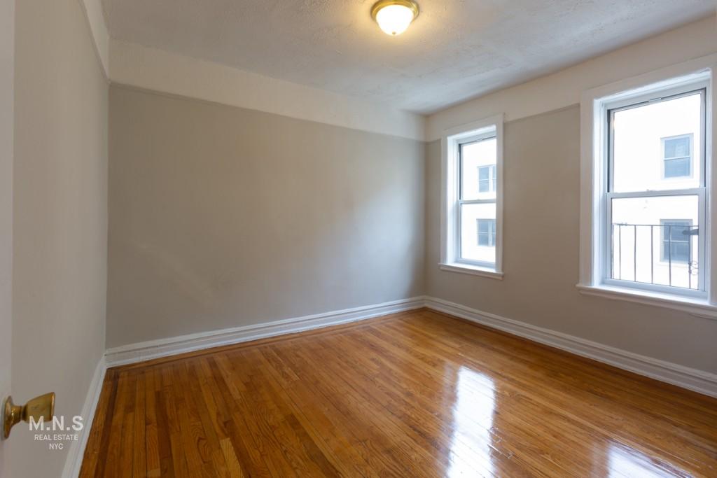 514 West 213th Street Interior Photo