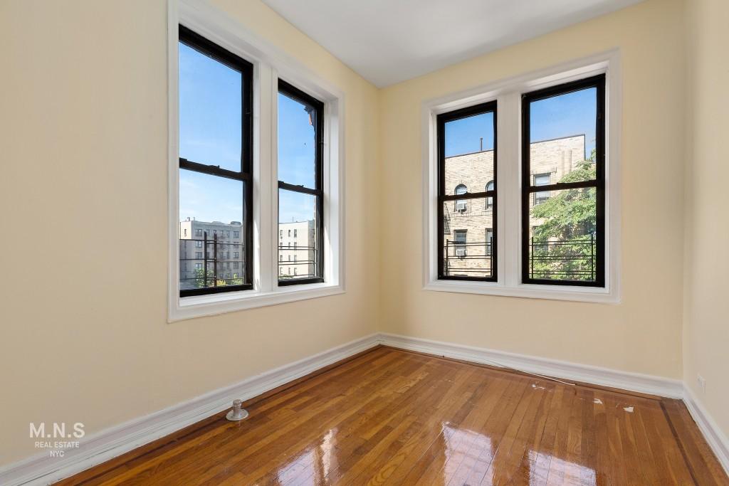 2148 Barnes Avenue Interior Photo