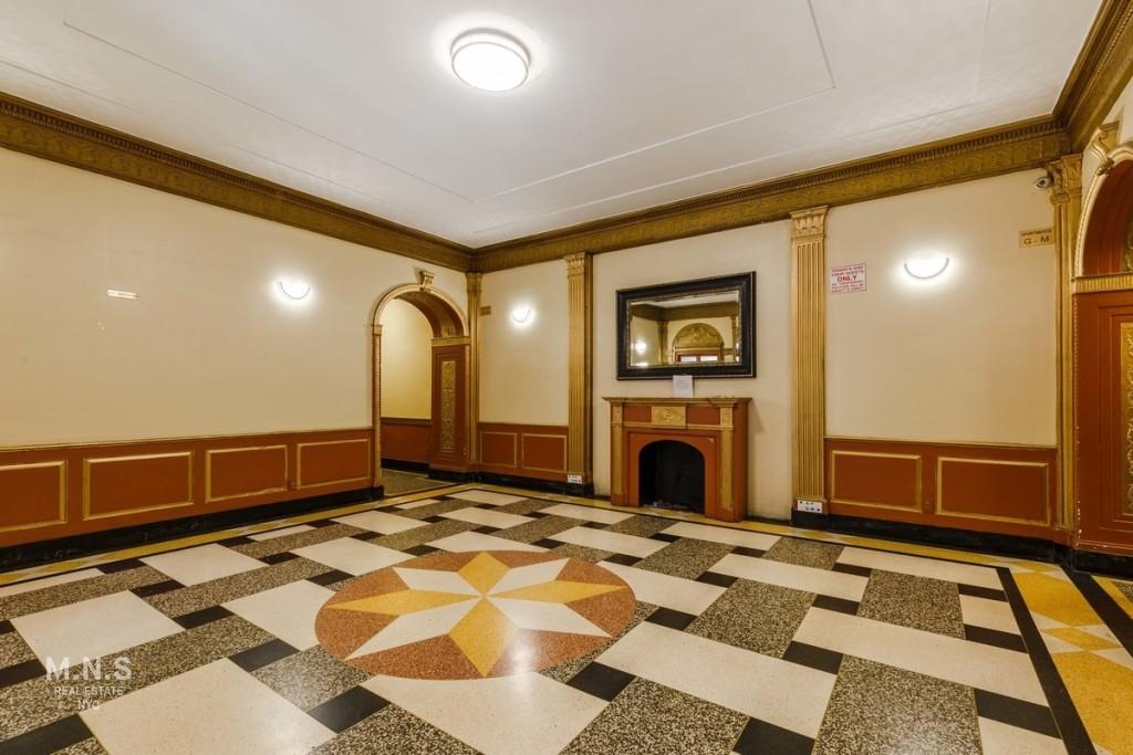 415 East 17th Street Interior Photo