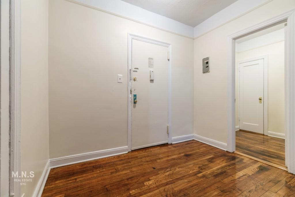 822 Ocean Avenue Interior Photo