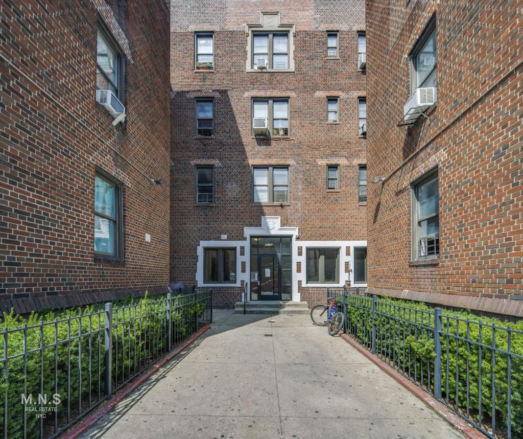 94-05 35th Avenue Interior Photo