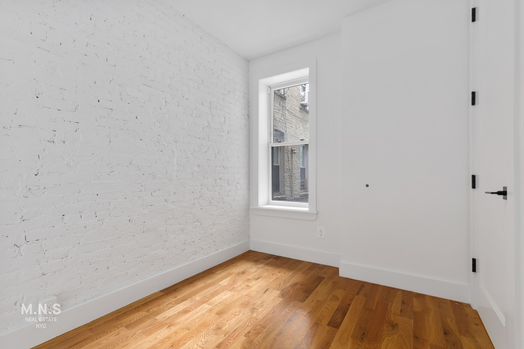 61-47 Woodbine Street Interior Photo