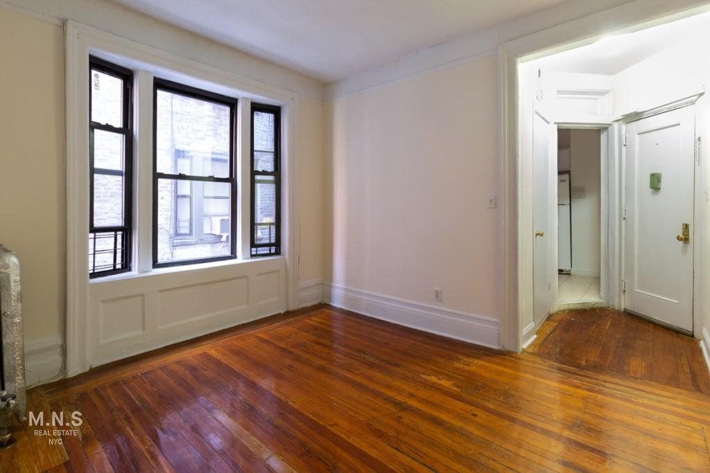 112 Nagle Avenue Interior Photo