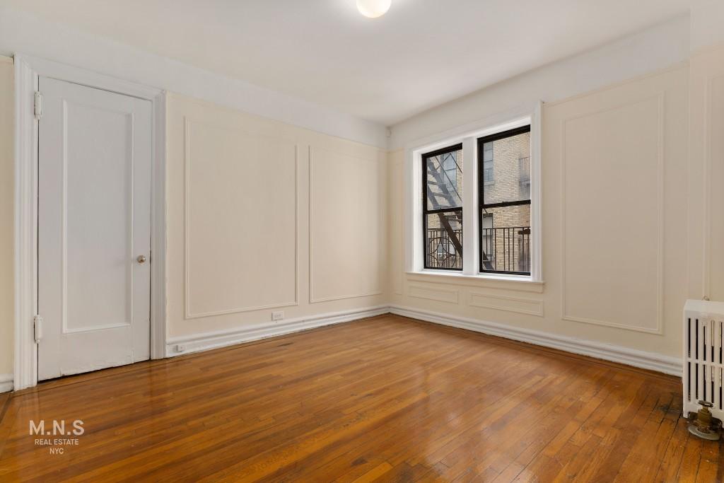 2-12 Seaman Avenue Interior Photo